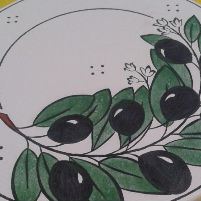 Olive branch coming alive // Zeytin dalı renkleniyor